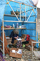 Photo Willow worker at Appledore Arts Festival copyright Pat Adams